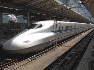東京駅18番線で、折り返し準備中のN700系(8/3)(後追い)