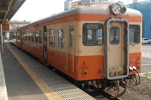 珍しく旧型車と新型車の混結が行われた茨城交通