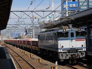 JR貨物のEF65の牽く専用貨物列車