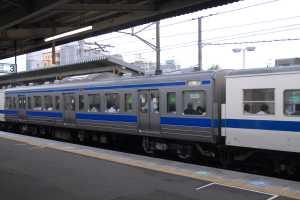 7両編成の中でサハ411-1601のみ一部床下機器や台車の再塗装が実施されていた。