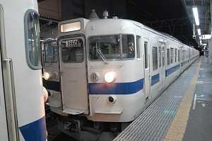 水戸駅で分割作業中のK515とK514