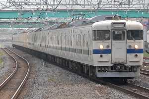 柏駅にて415系鋼製車白チンイツ15連を辛うじてゲット