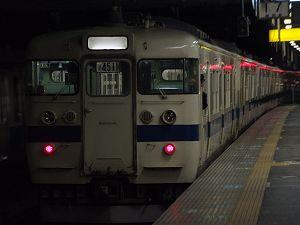 勝田駅4番線から発車する415系鋼製車定期運用最後の高萩行き451M(3/17)。