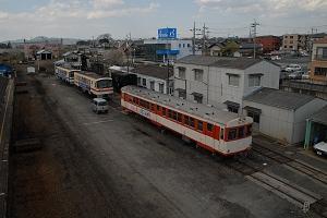 大部分のレールが撤去された石岡駅(4/14)